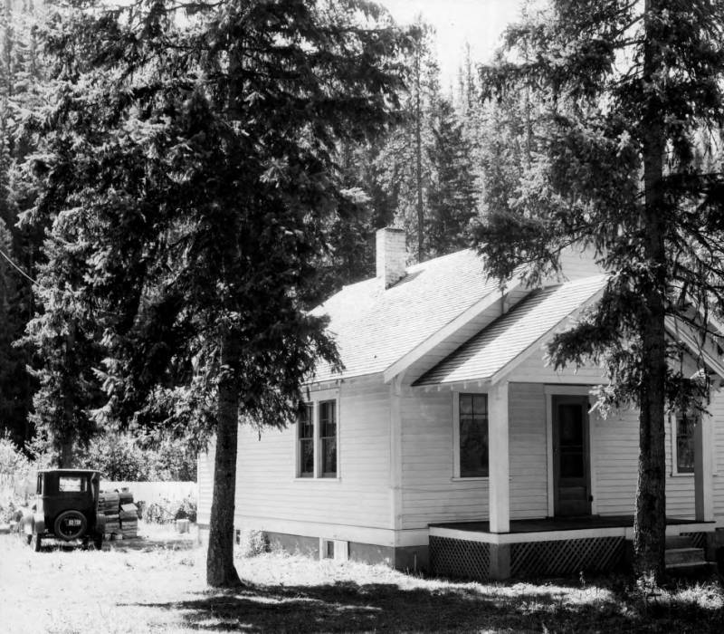 Dwelling at Powell Ranger Station<br />Dwelling at Powell Ranger Station, Swan, K. D., 1932