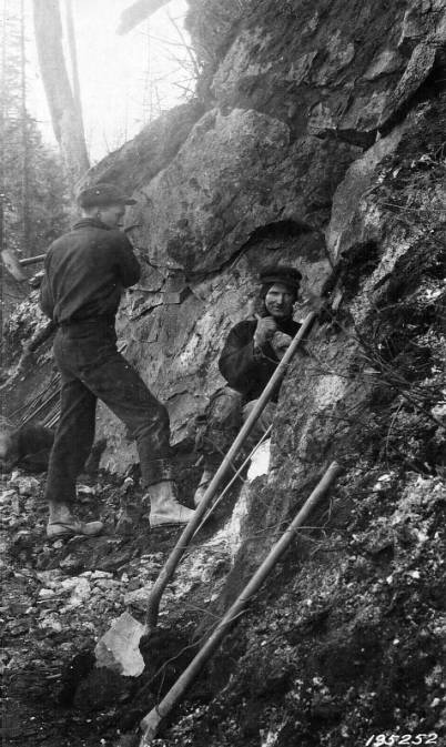 Rock work in winter on the Selway River<br />Rock work in winter on the Selway River , Jefferson, F. J., 1925