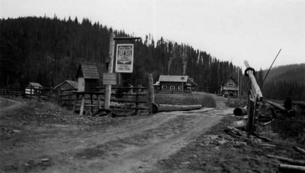 Red River Ranger Station, Nez Perce National Forest, Built 1920<br />Red River Ranger Station, Nez Perce National Forest, Built 1920, Photographer Unknown, 1937