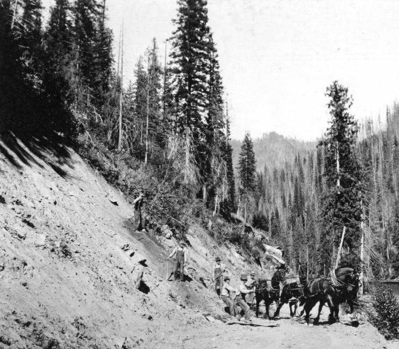Clearing a slide from Lochsa Road, Selway National Forest<br />Clearing a slide from Lochsa Road, Selway National Forest, Swan, K.D., 1925