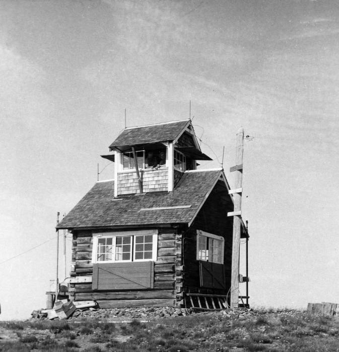 Green Mountain lookout<br />Green Mountain lookout, Curtis, Chester, 1951