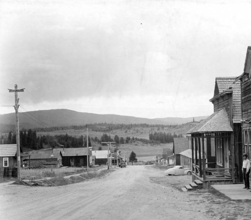 Main street in Elk City, Nezperce National Forest<br />Main street in Elk City, Nezperce National Forest, Swan, K.D., 1938-08-01