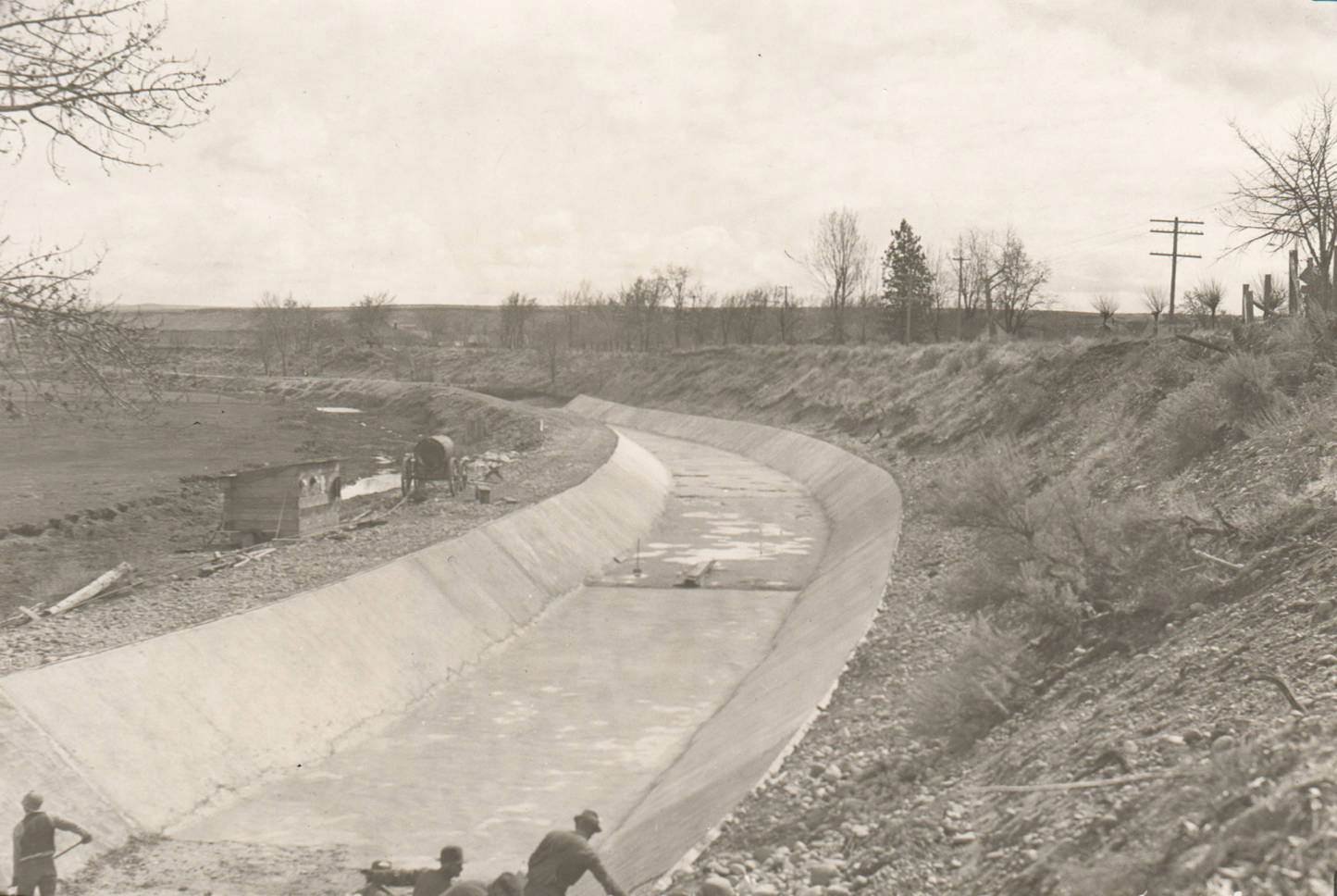 item thumbnail for Nearly complete irrigation canal near Boise