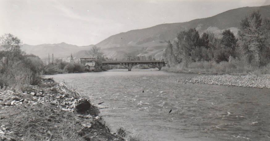 item thumbnail for Salmon River below bridge at Salmon, Idaho