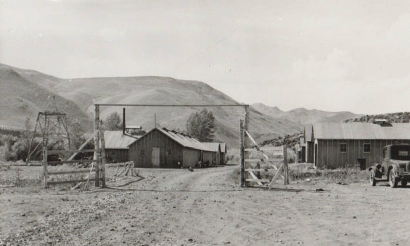 item thumbnail for Carey Camp, Little Wood River, buildings