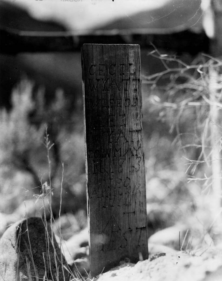 item thumbnail for Wooden grave marker at 105, Middle Fork of the Salmon River