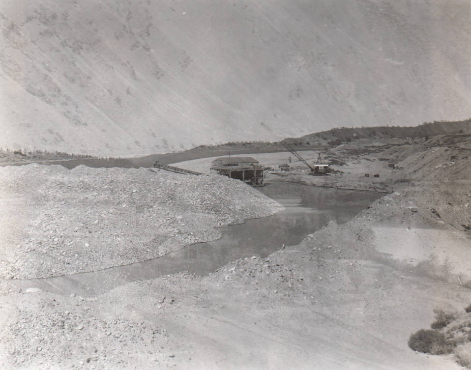 item thumbnail for Gold dredge working on Salmon River above Riggins, Idaho