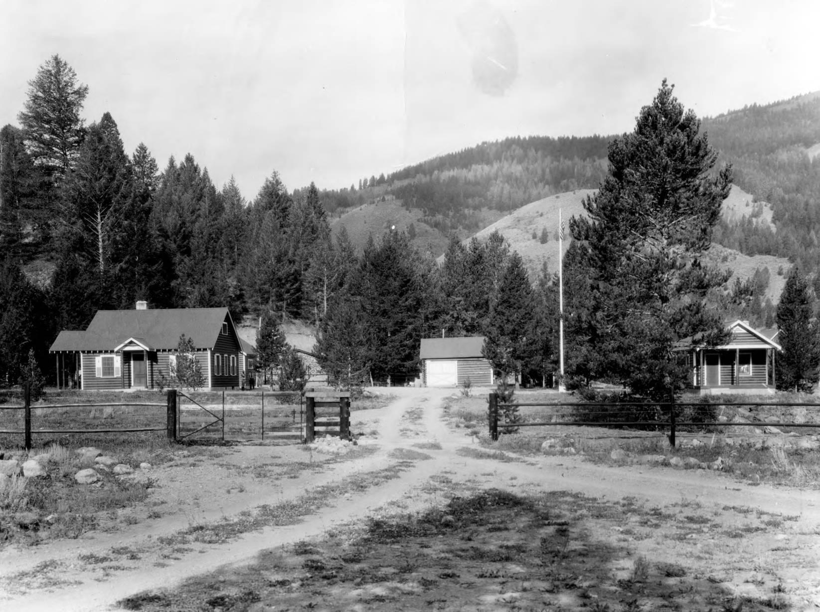 item thumbnail for Loon Creek Guard Station