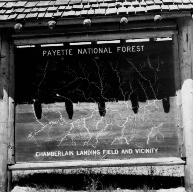 item thumbnail for Descriptive sign, Chamberlain Landing Field