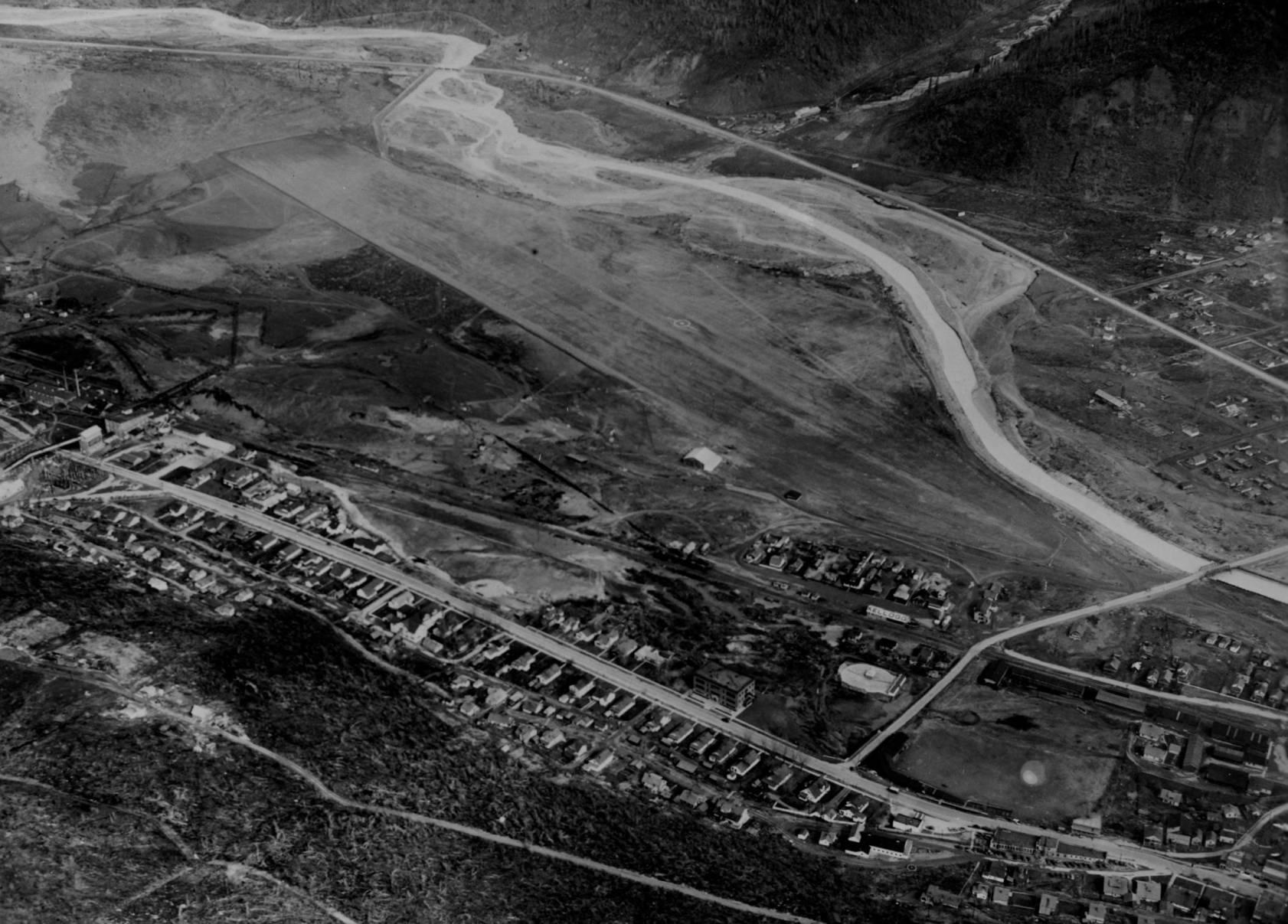 item thumbnail for Shoshone County Airport, Kellogg, aerial