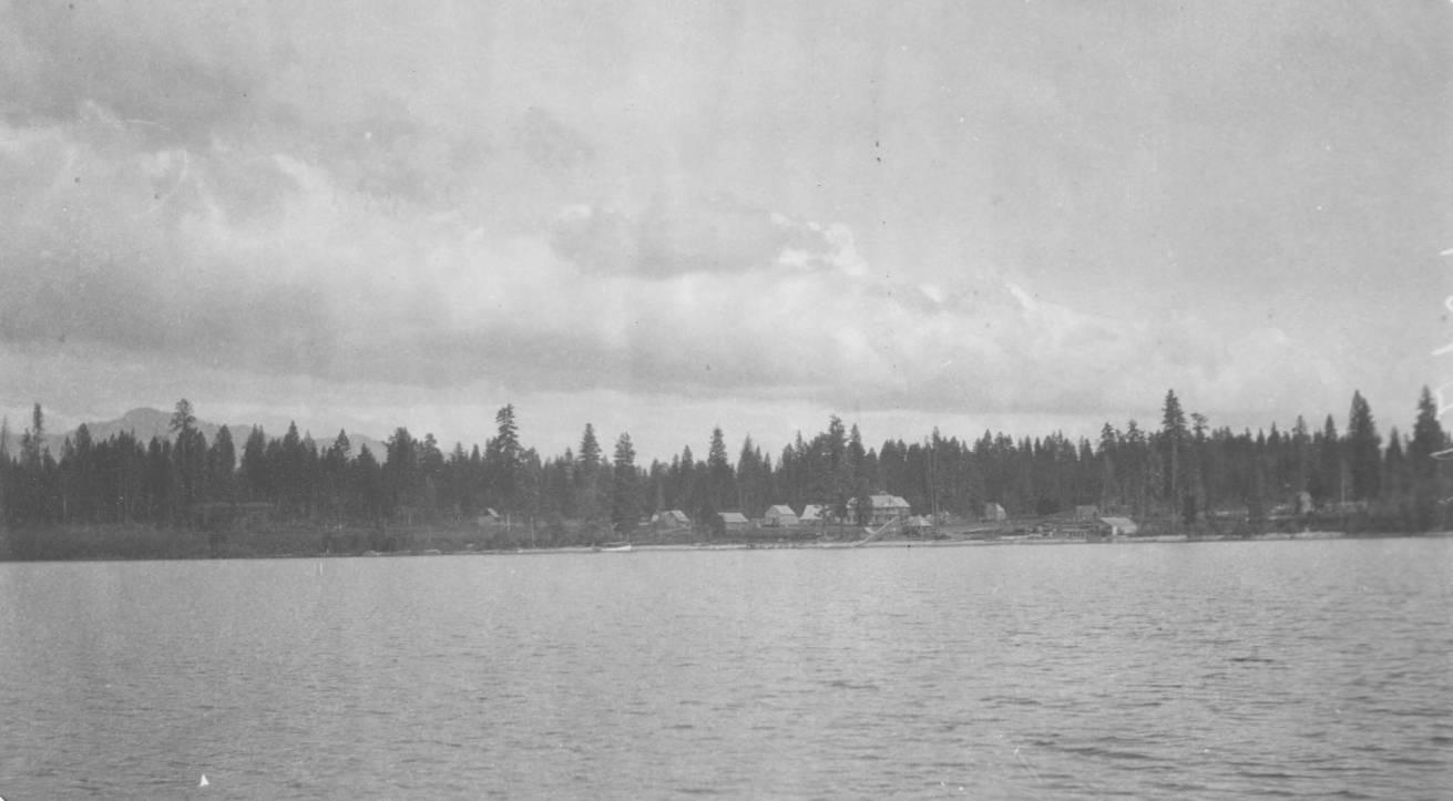 item thumbnail for Lardo, a summer resort on Big Payette Lake