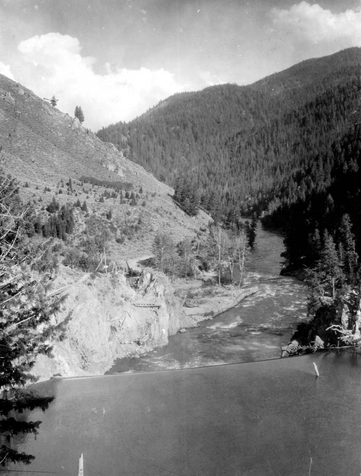 item thumbnail for Sunbeam Dam on Salmon River