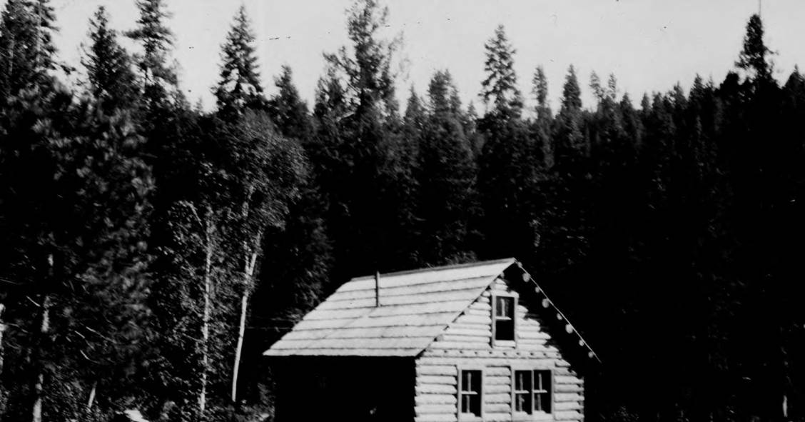 item thumbnail for Bear Creek Ranger Station, main building rear, Selway National Forest