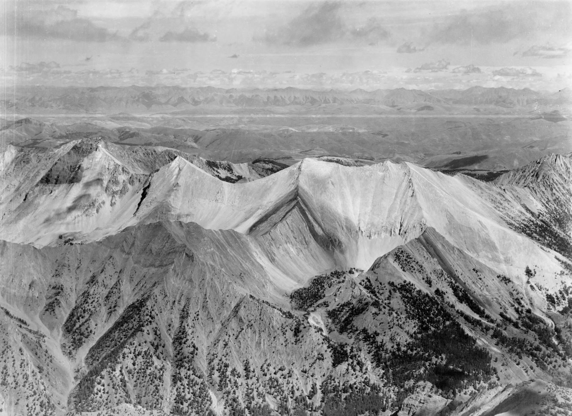 item thumbnail for White peaks, Sawtooth Mountain Range