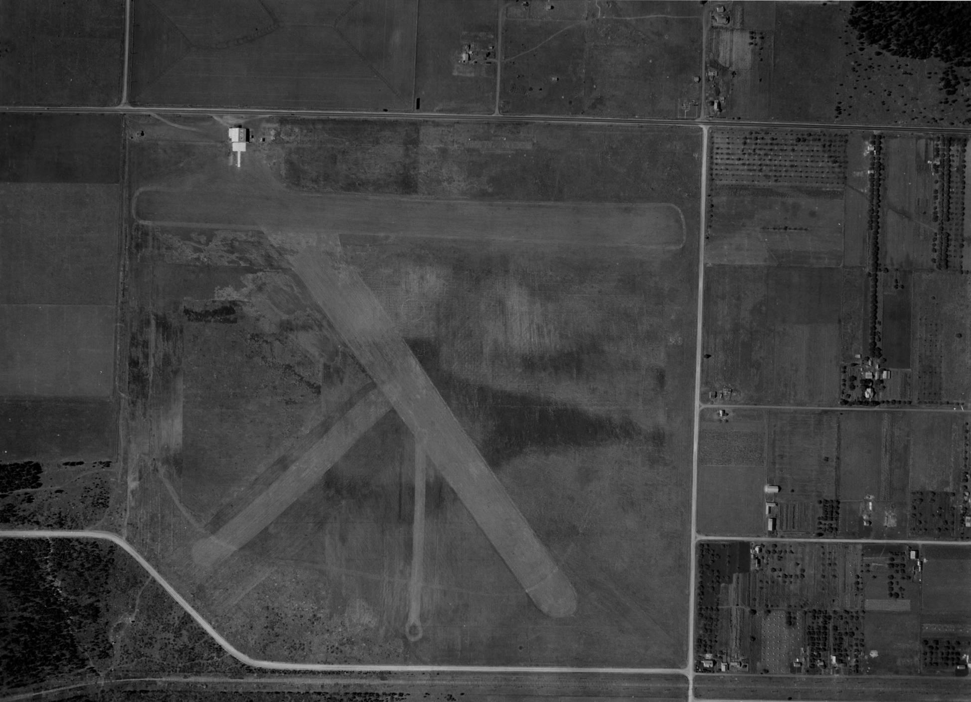 item thumbnail for Weeks Field or Airport, Coeur d'Alene, aerial