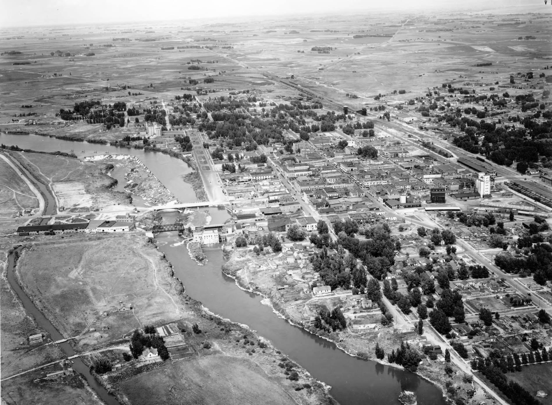 item thumbnail for Idaho Falls and Snake River