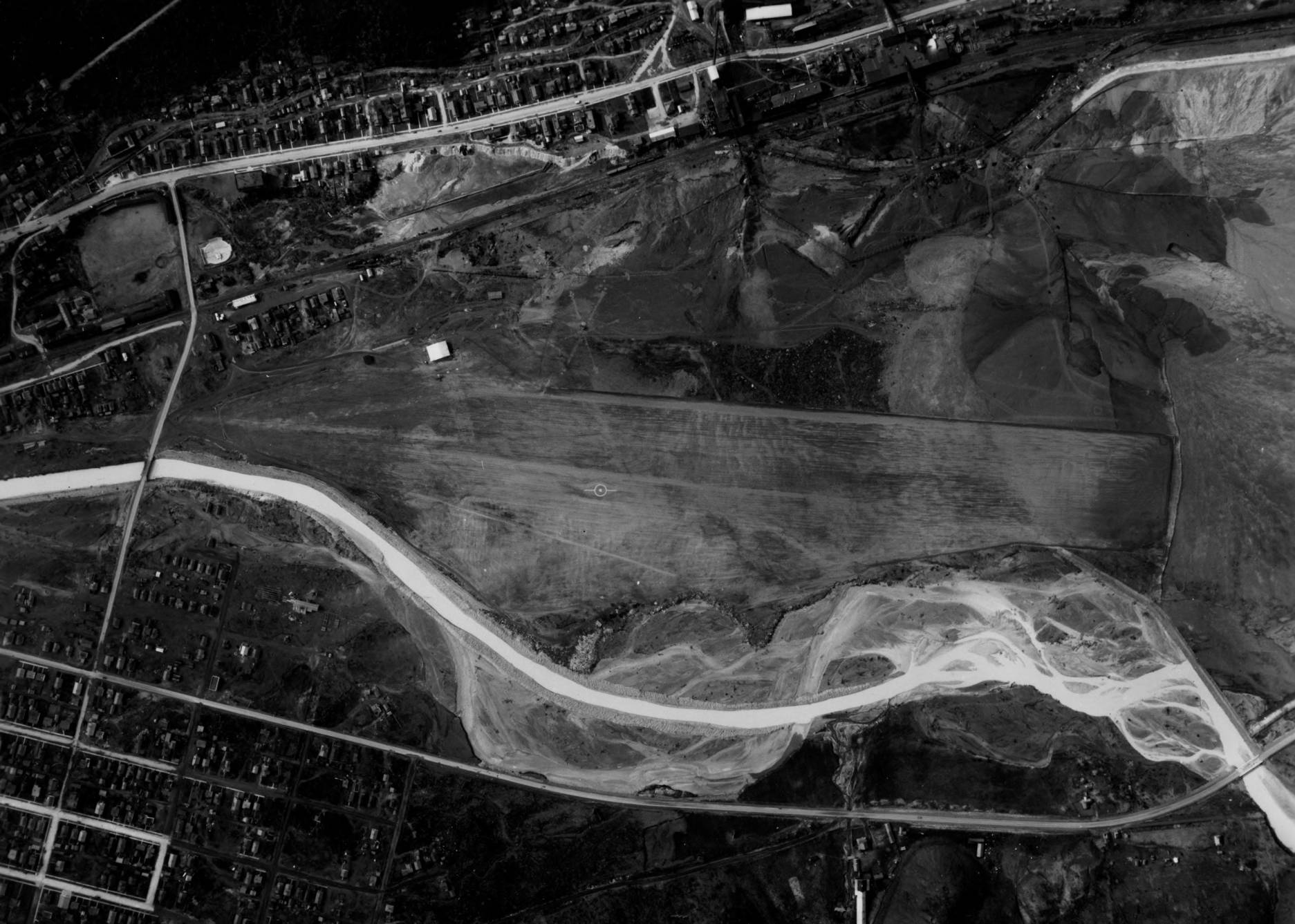 item thumbnail for Kellogg or Shoshone Airport site and Kellogg, aerial