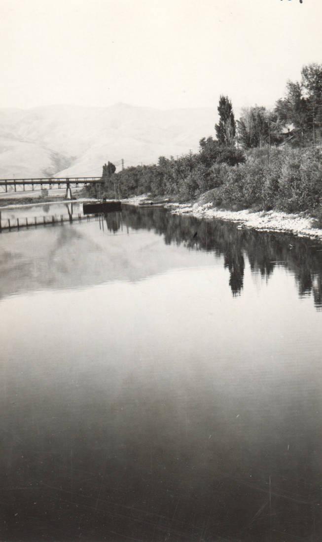 item thumbnail for Bridge and Scows at Lewiston, Idaho