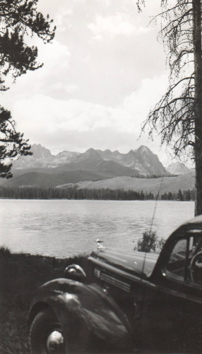 item thumbnail for Car looks over Red Fish Lake