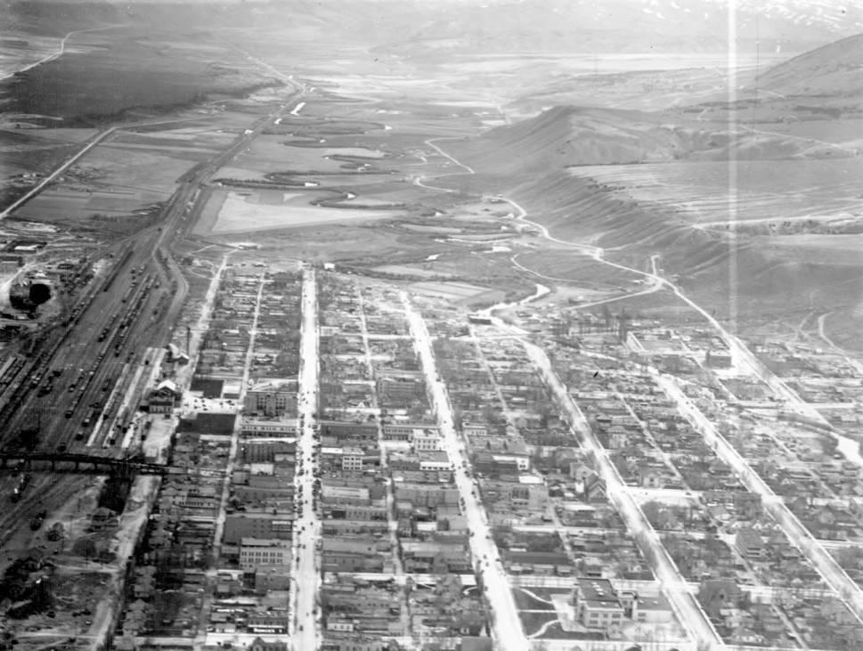 item thumbnail for Pocatello looking down Portneuf River