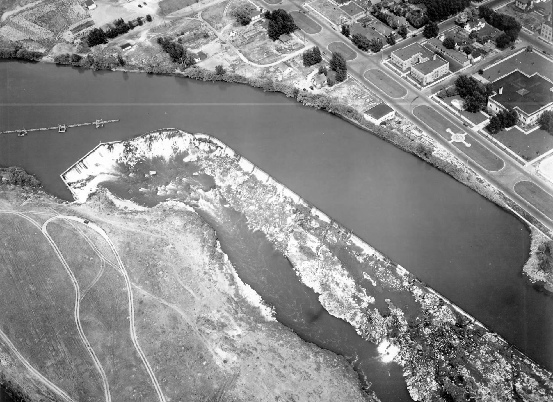 item thumbnail for Idaho Falls, Greenbelt waterfalls