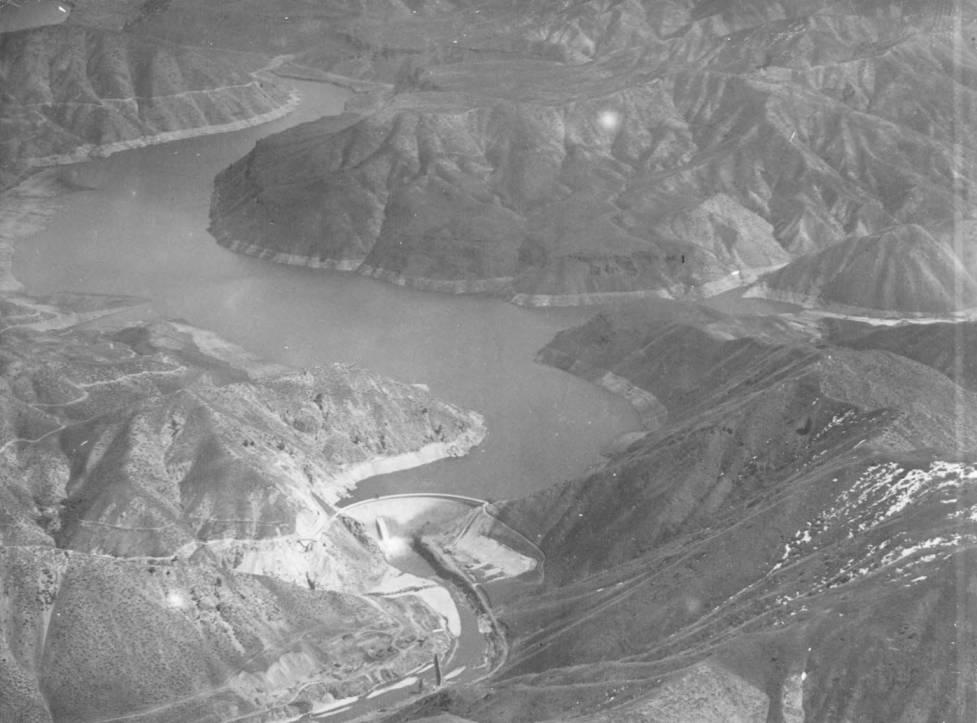item thumbnail for Arrow Rock Dam and surrounding hills