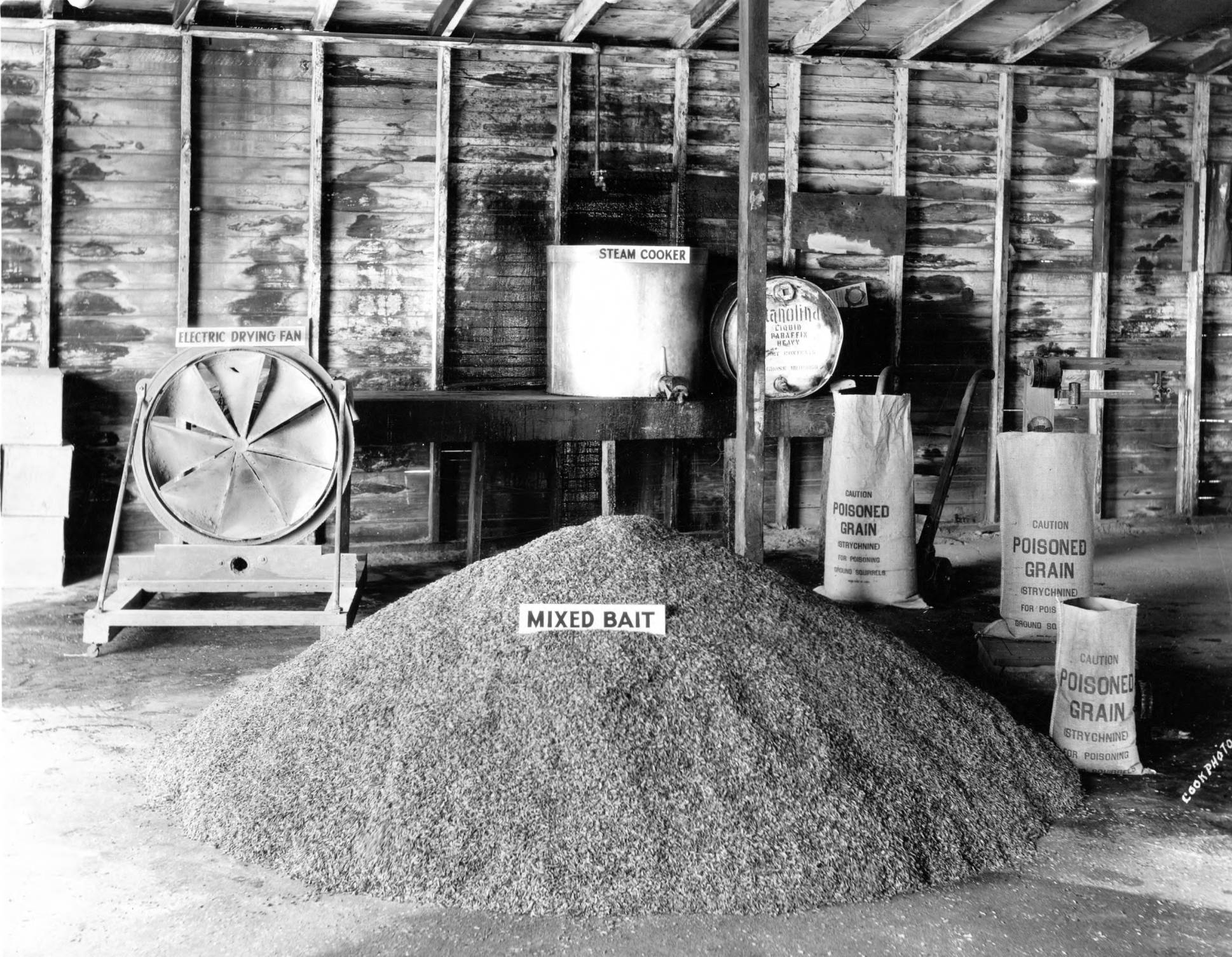 item thumbnail for USDA and University of Idaho mixing station, Equipment and materials