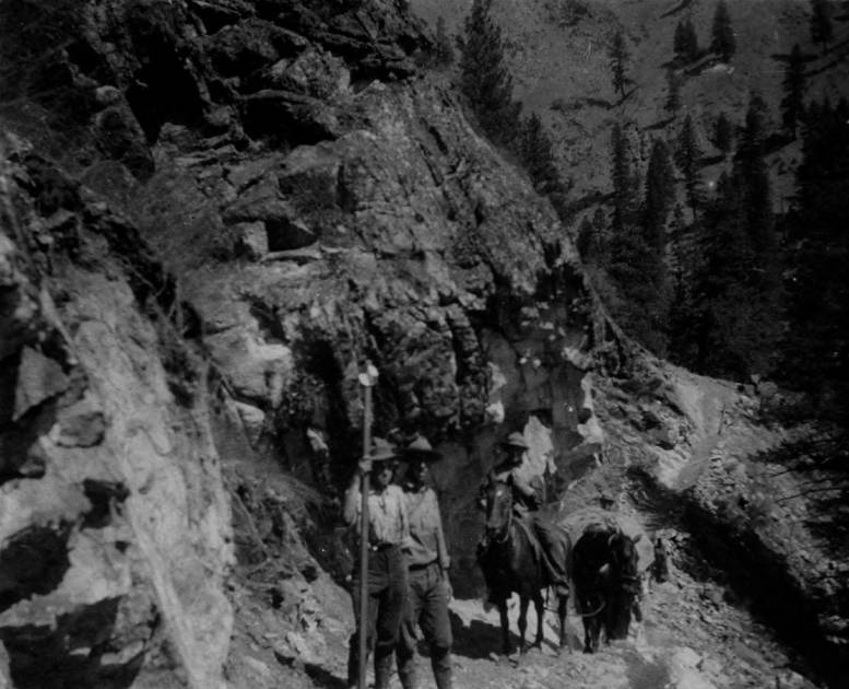 item thumbnail for Pack train and rangers on Crevice Trail on Salmon River