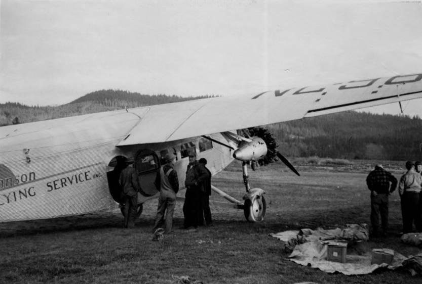 item thumbnail for Unloading tri-motor at Chamberlain landing field