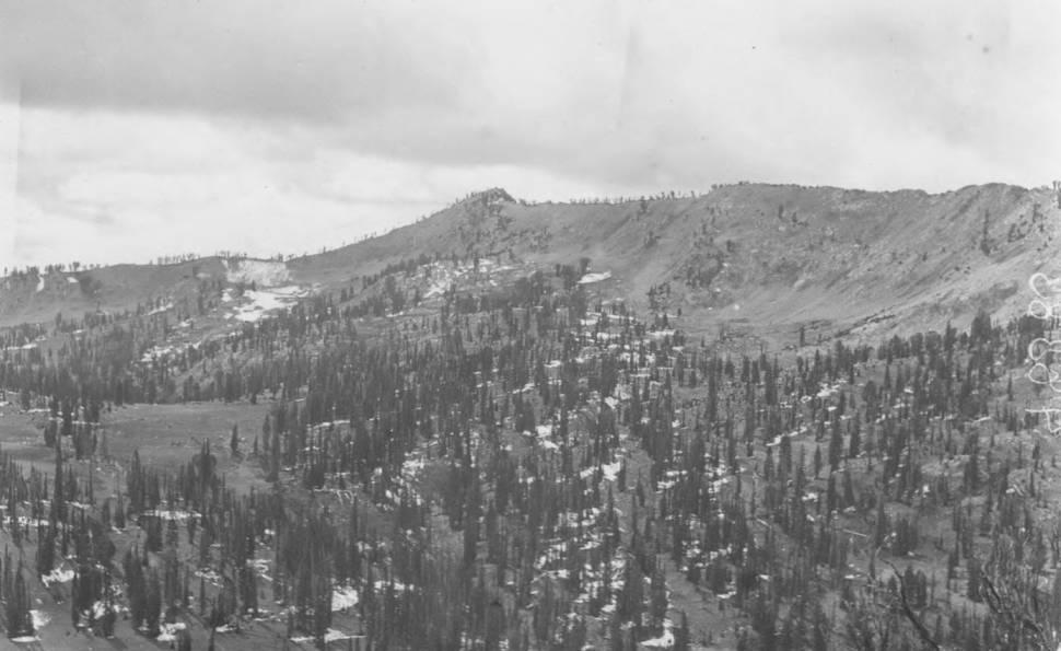item thumbnail for Summit of Sawtooth Range