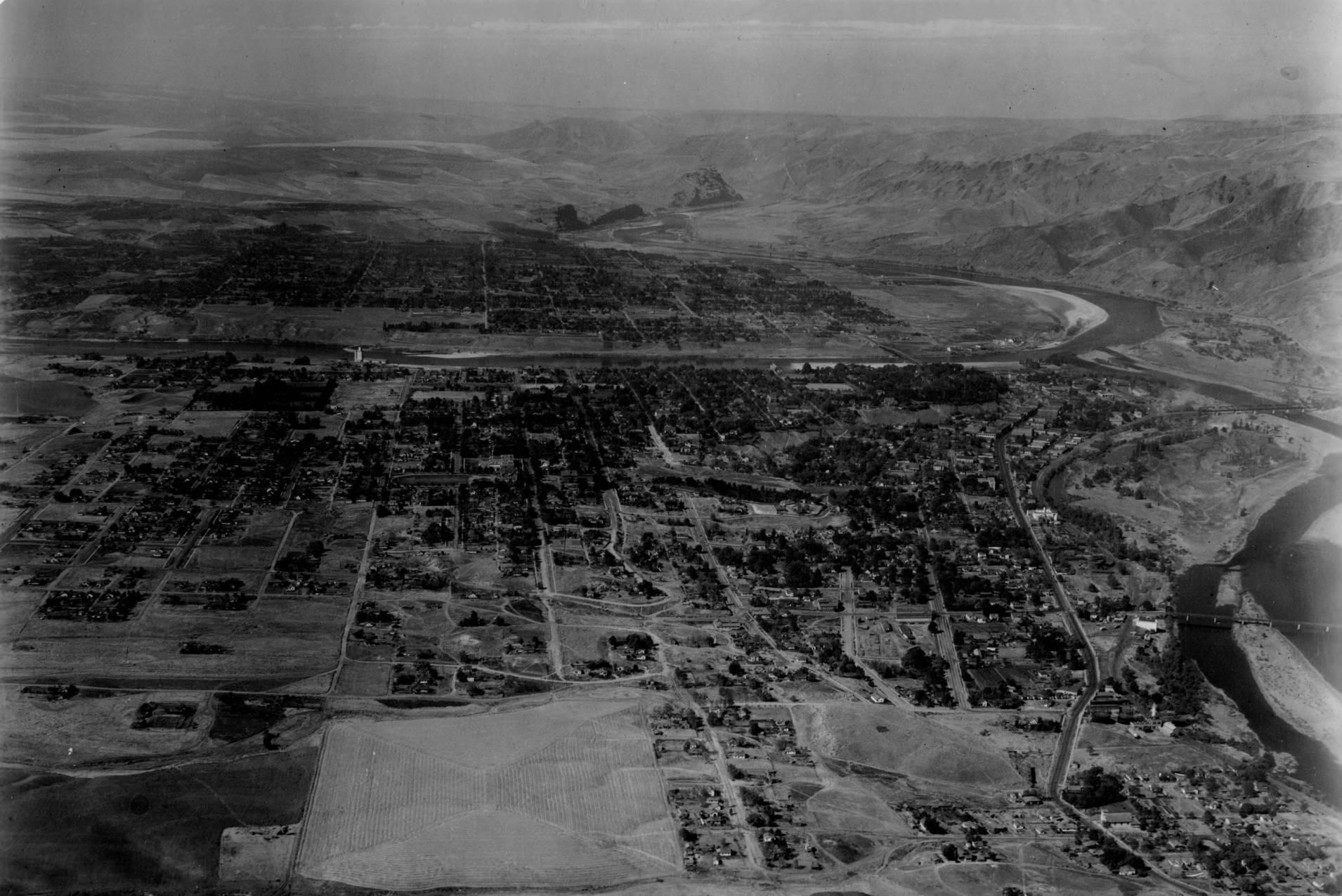 item thumbnail for Lewiston, Idaho and Clarkston, Washington, aerial