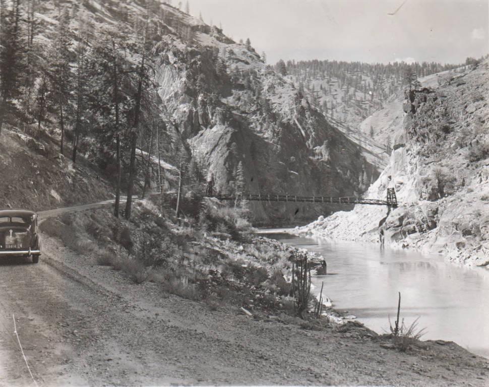 item thumbnail for Crevice Dam site and bridge, Salmon River