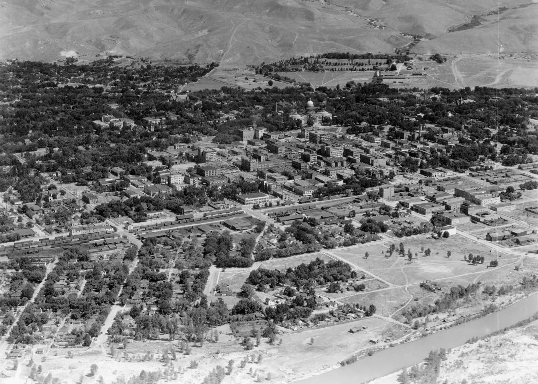 item thumbnail for Boise, Idaho (Boise River in foreground)