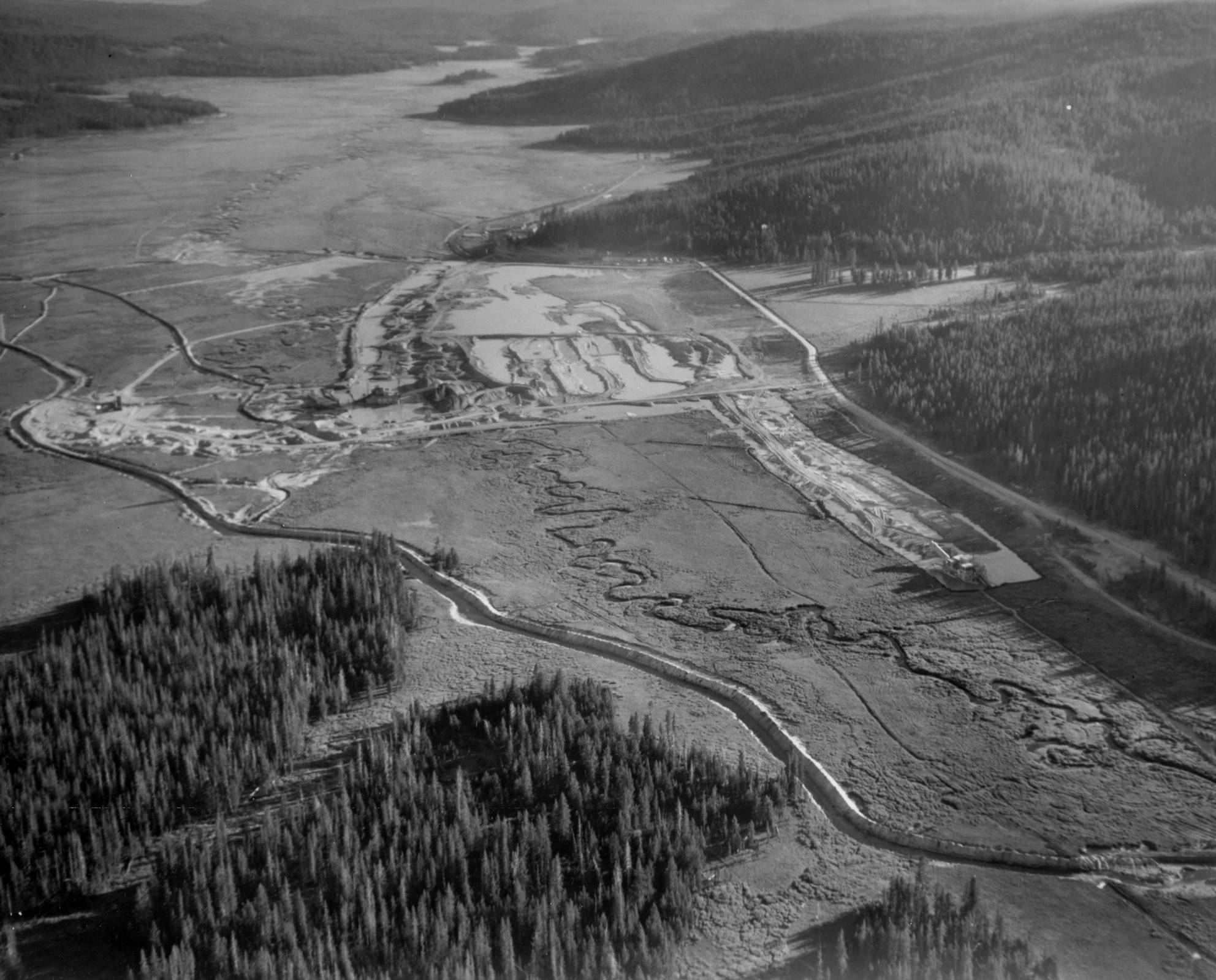 item thumbnail for Aerial images of Bear Valley and March Creek 9
