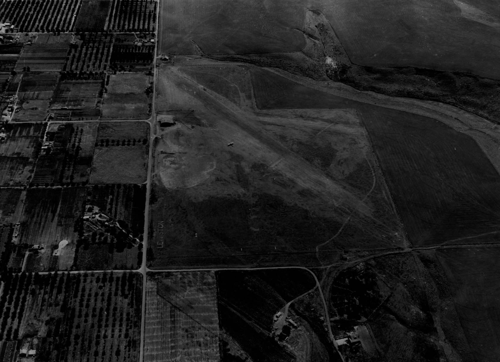 item thumbnail for Lewis-Clark Airport, Lewiston, aerial