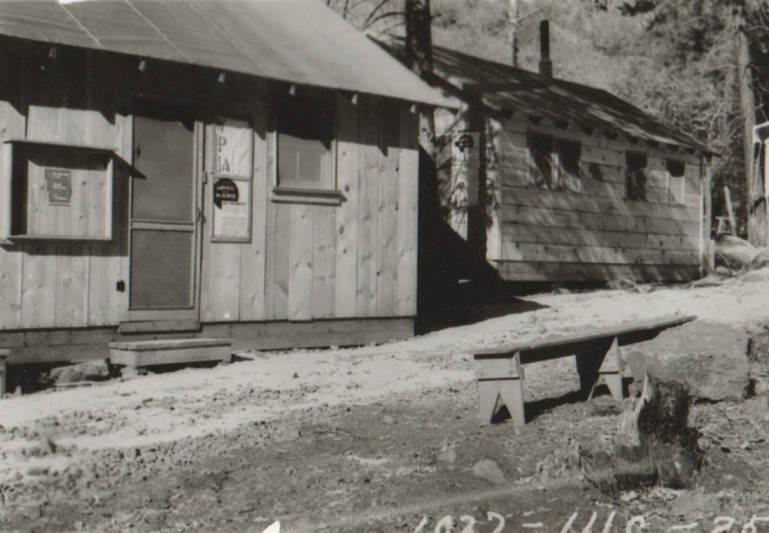 item thumbnail for Cottonwood Camp, Grave Creek floods near camp buildings
