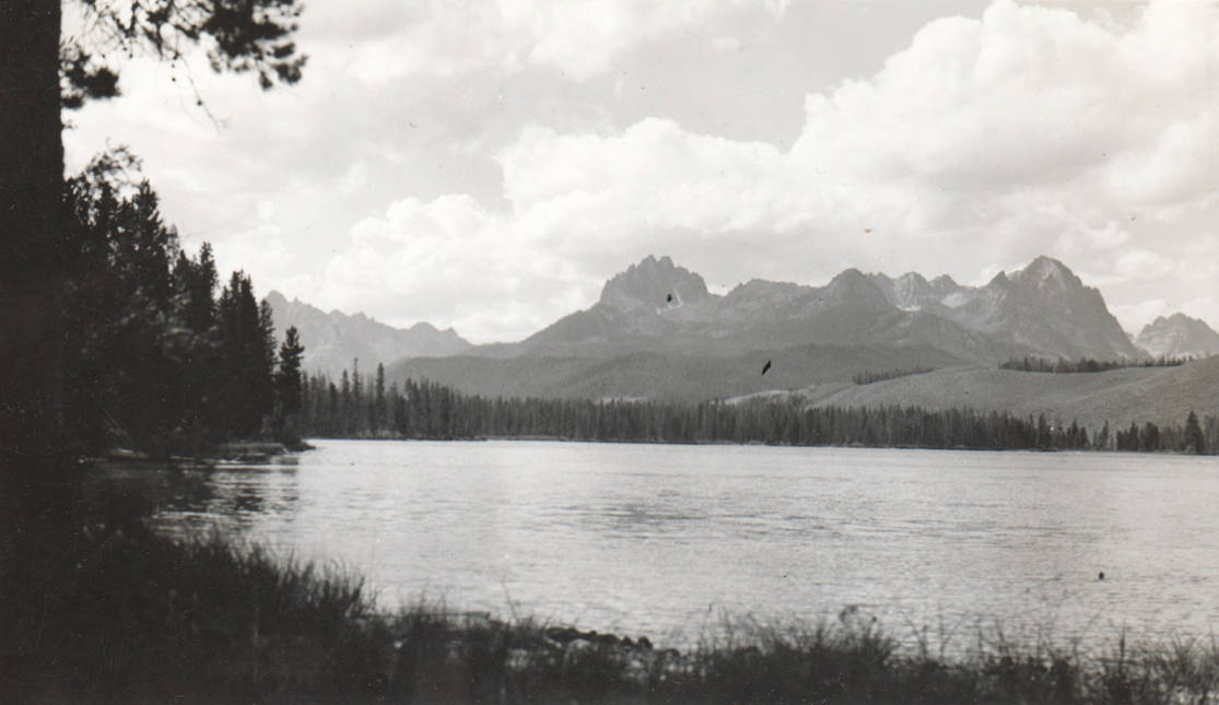 item thumbnail for Sawtooth Mountains from Red Fish Lake