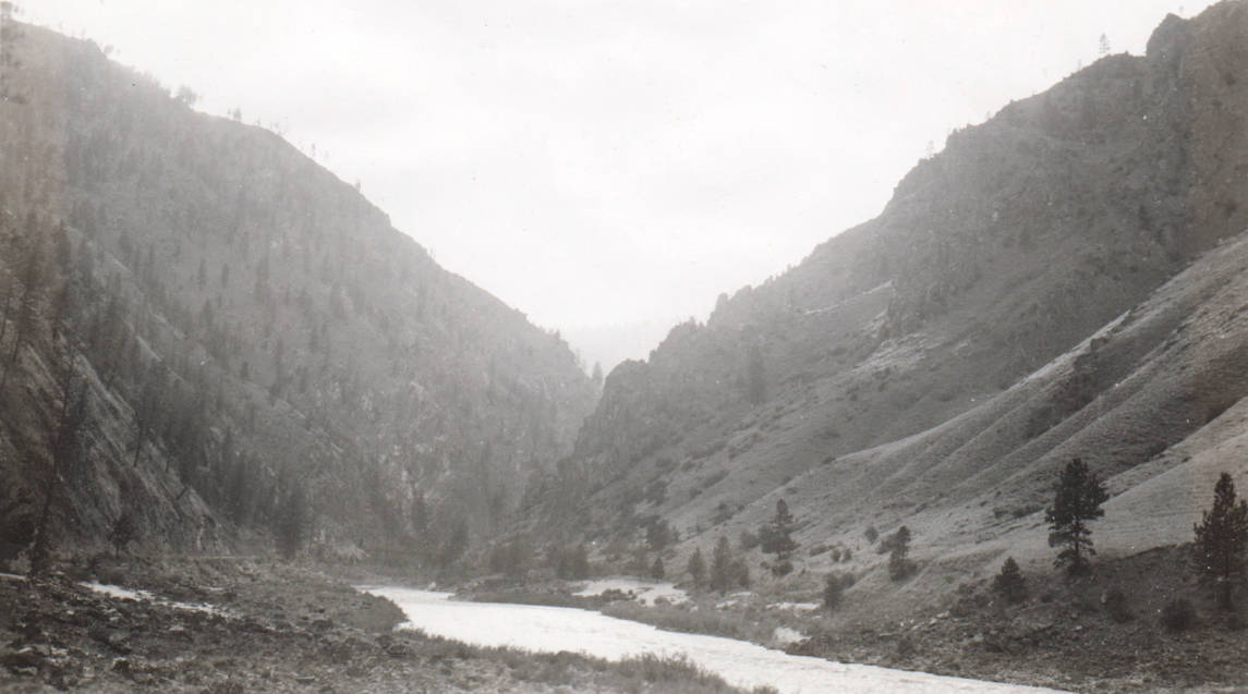 item thumbnail for Crevice Dam site on Salmon River above Riggins