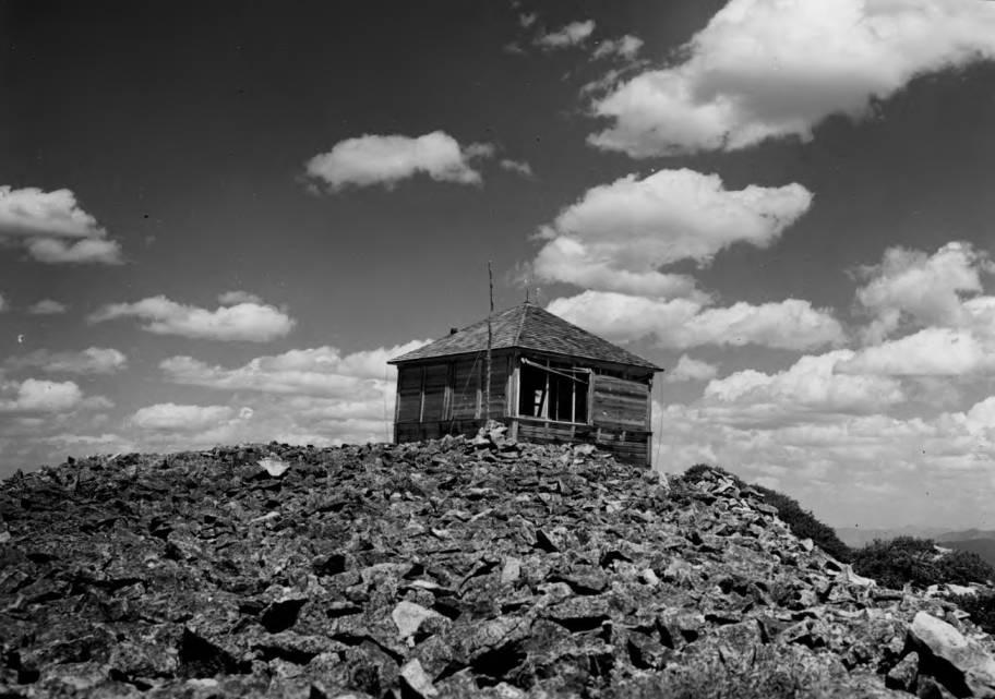item thumbnail for Old Lightning Peak Lookout