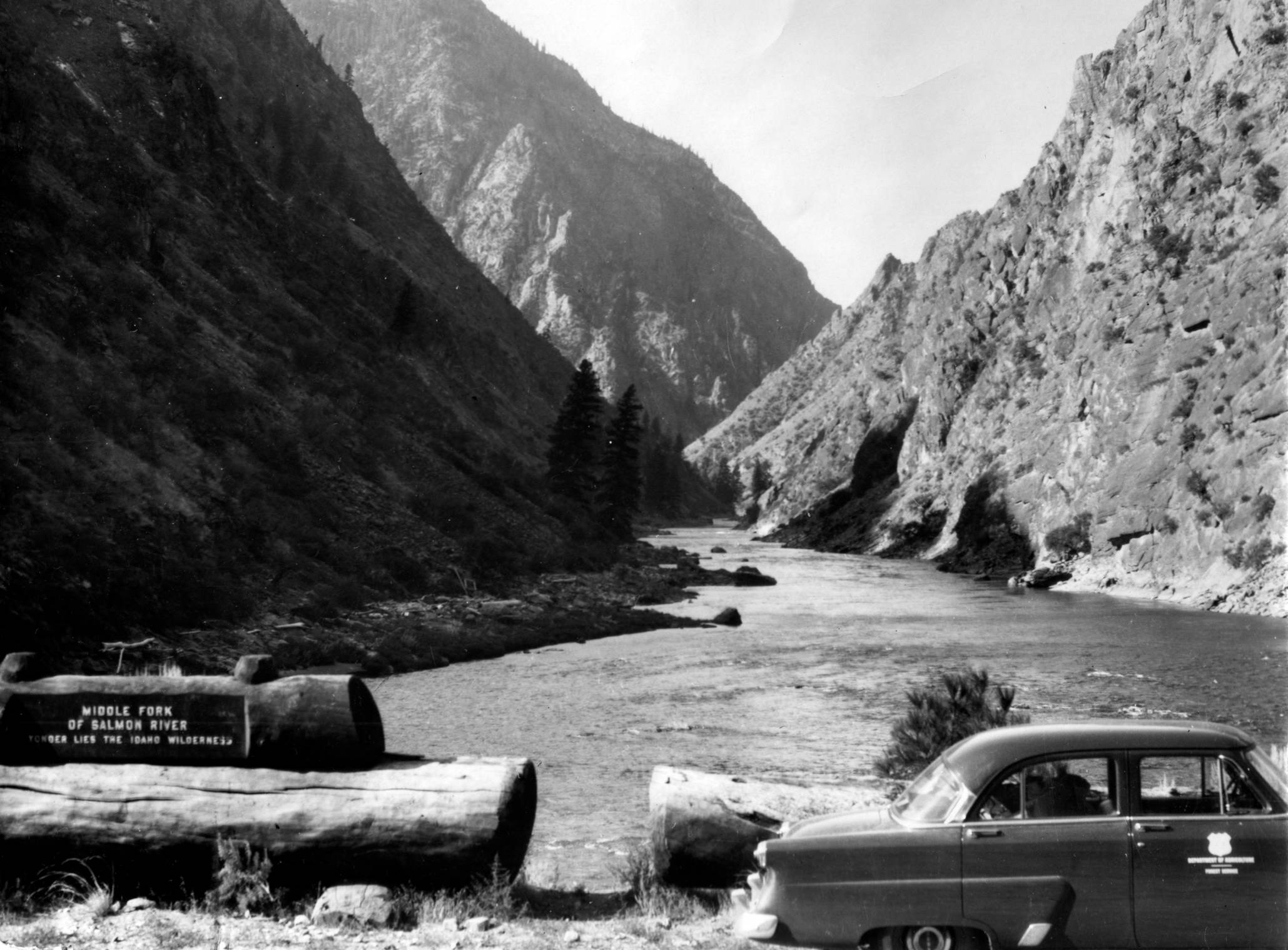 item thumbnail for Car parked on bridge over Middle Fork of Salmon River