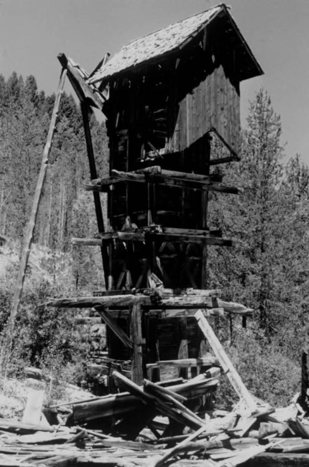 item thumbnail for Ruins of mill, Monumental Creek
