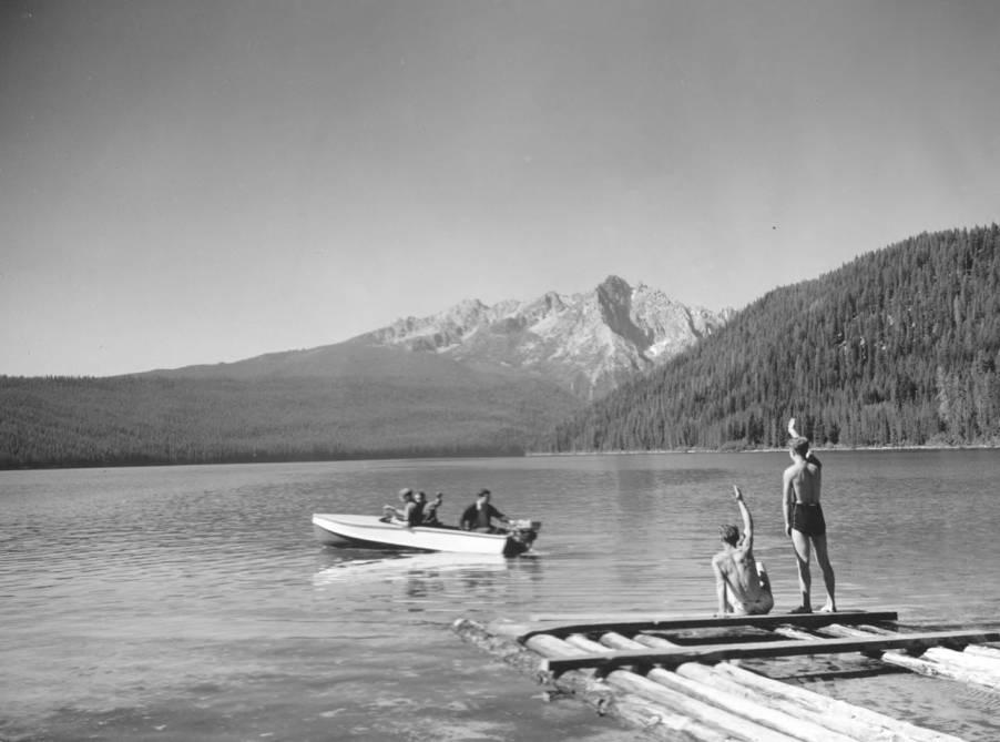item thumbnail for Motor boating on Redfish Lake