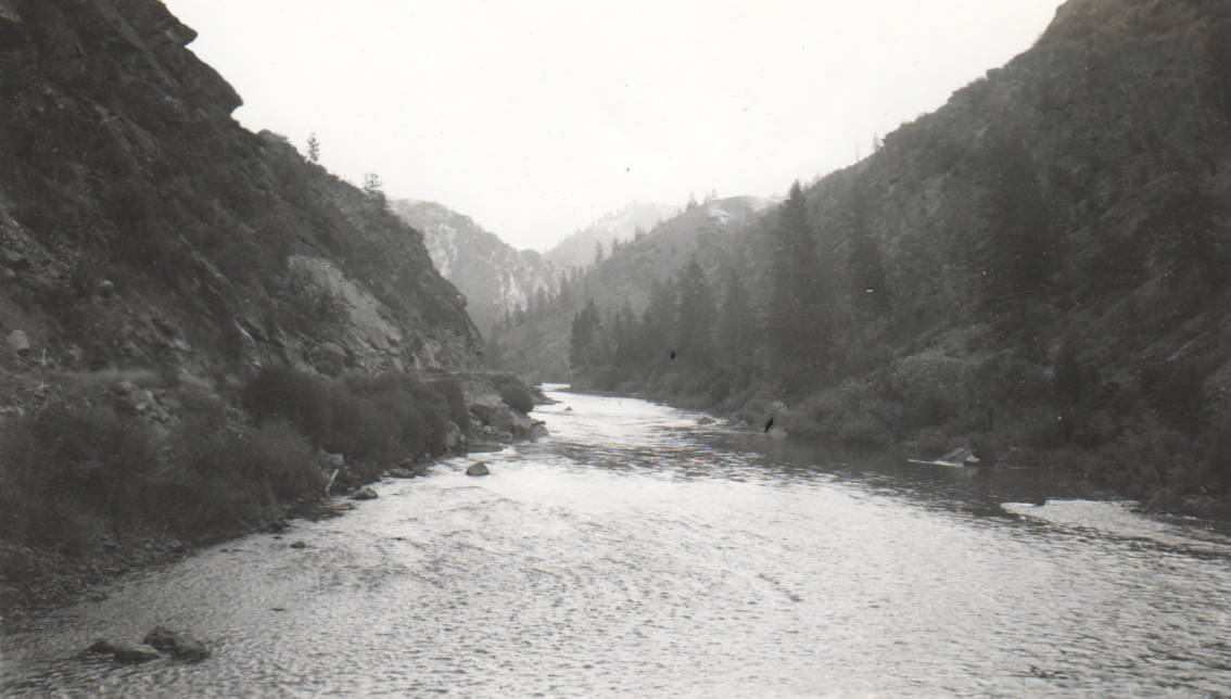 item thumbnail for Dam site about 8 miles above Challis on Salmon River