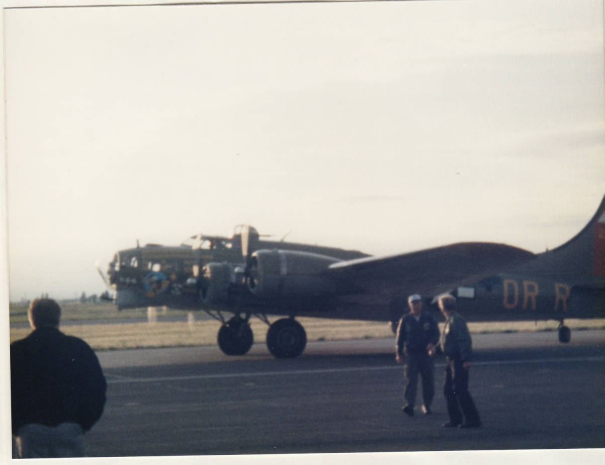 Image of B17 Exterior Photo 5