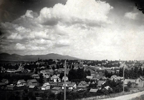 item thumbnail for Panoramic view of Moscow, Idaho from the west.