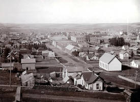 item thumbnail for Panoramic view of Moscow, Idaho. Taken from between 5th and 6th Streets looking west.