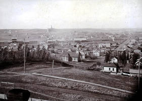item thumbnail for Panoramic view of Moscow, Idaho. Taken from courthouse steps looking south by southwest.