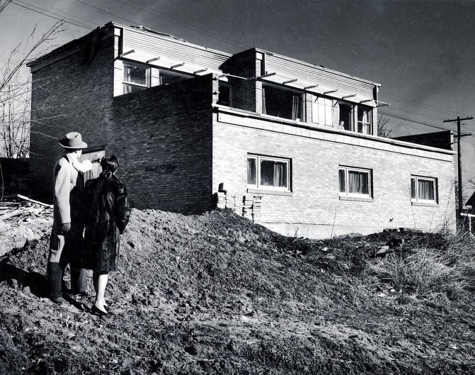 item thumbnail for W. Friberg and wife in front of home. Moscow, Idaho.