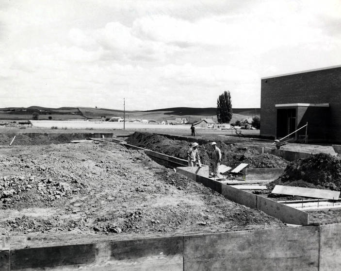 item thumbnail for Moscow Junior High Gym under construction. Moscow, Idaho.