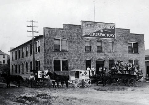 item thumbnail for Lewiston Bakery and Cracker Factory. Lewiston, Idaho.
